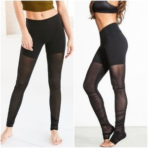 ALO YOGA Mesh Goddess Leggings size S